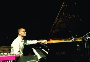 Philippe_Baden_Powell_piano_27x19